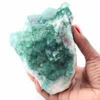 Cristaux cubiques de fluorite verte sur fluorite massive
