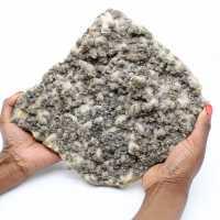 Grande plaque de quartz avec cristaux de pyrite et sphalérite (blende)
