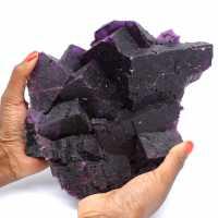 Exceptionnelle cristallisation de fluorite violette foncée