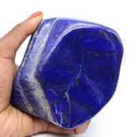 Grande pierre de Lapis-lazuli polie d'ornement