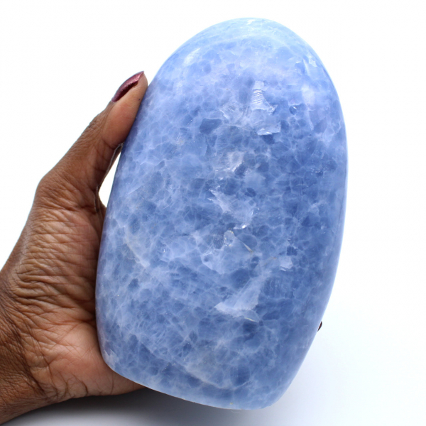 Forme libre de calcite bleue