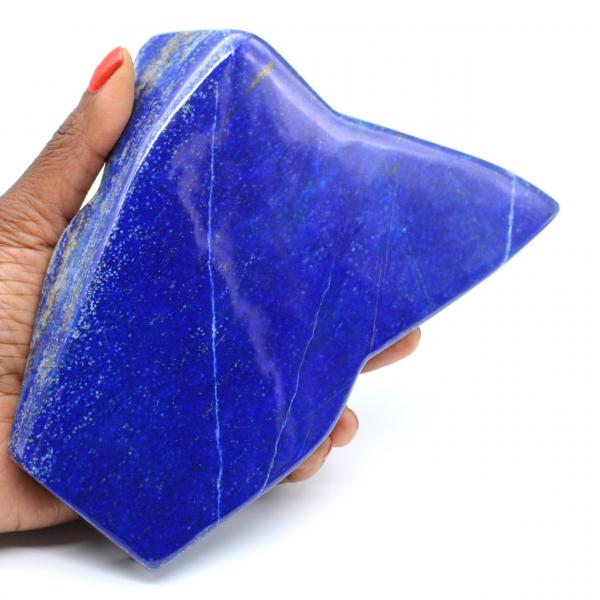 Pierre de Lapis-lazuli polie